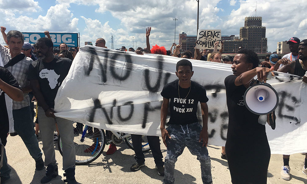 Black Lives Matter Blocks St. Louis Highway